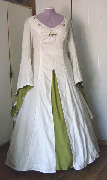 Mittelalter-Hochzeitskleid in grün und weiß ...
