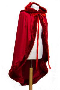 Rotkäppchen-Umhang aus Modestoff mit Webpelz