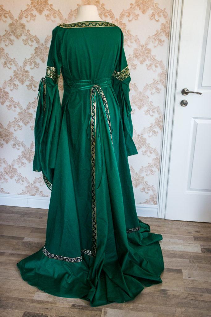 Kleid verlängern mit Volant und Keil