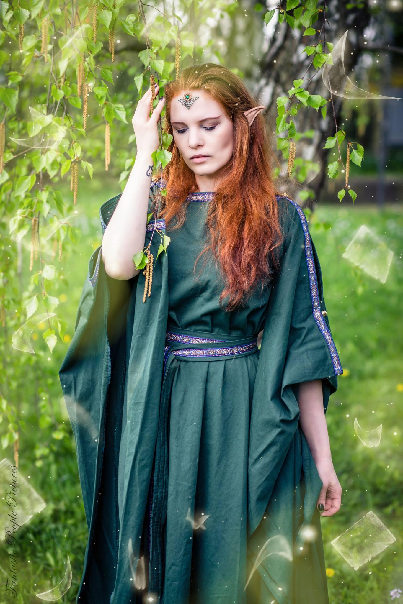 Ceres Mittelalterkleid Verleih