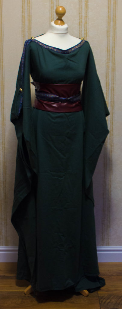 Mittelalterkleid ceres dunkelgrün Verleih