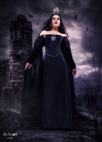 Rabenkönigin
