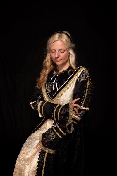 Renaissancekleid schwarz und gold