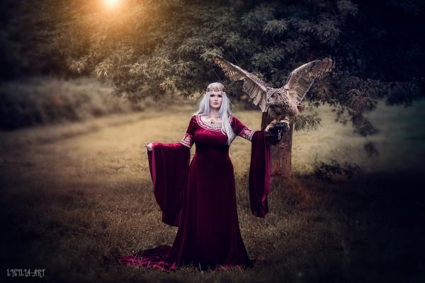 Elbenkleid Arwen Cranberry
