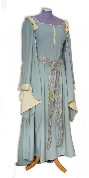 mintgrünes Kleid aus Labyrinth