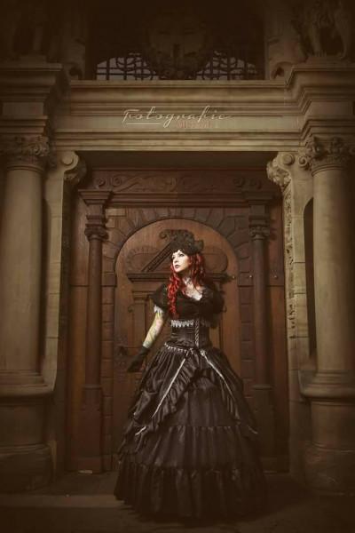 Gothickleid-amarande_model-drastique_miss-me-fotografie