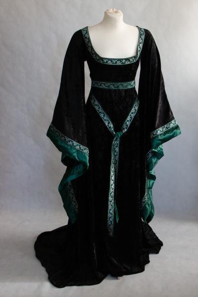 Mittelalterkleid Branwen scbwarz grün