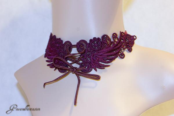 Steampunk-Halsband mit Schnürung